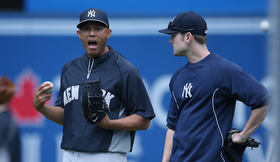 Player-to-player advice: Surefire Hall of Famer Mariano Rivera has a point to make to then-closer-in-waiting David Robertson