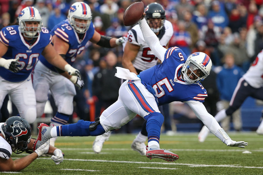 Tyrod Taylor cannot escape the mobile J.J. Watt